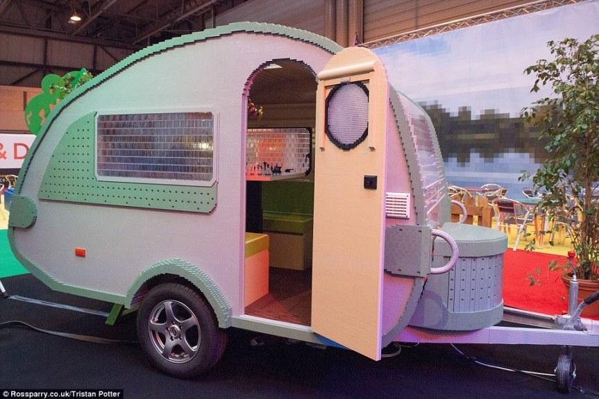 lego-caravan