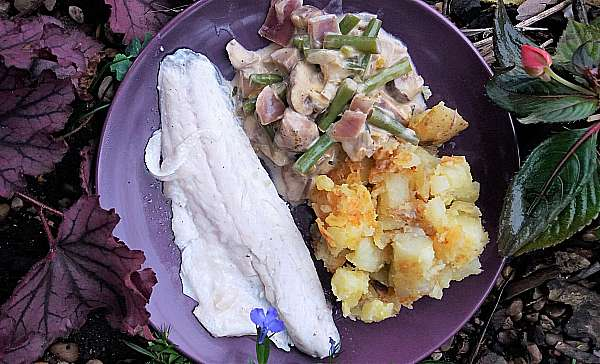 LUSCIOUS LUNCHES: Sea Bass, Smashed Potatoes & Silky Veg